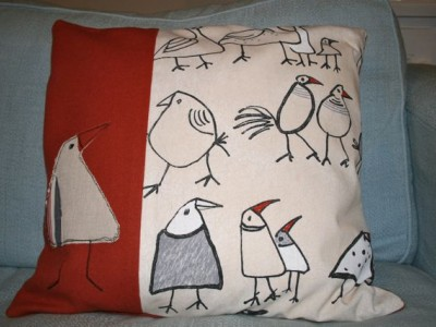 Applique chicken cushion