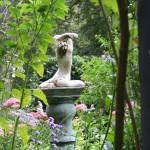 pedestal figure