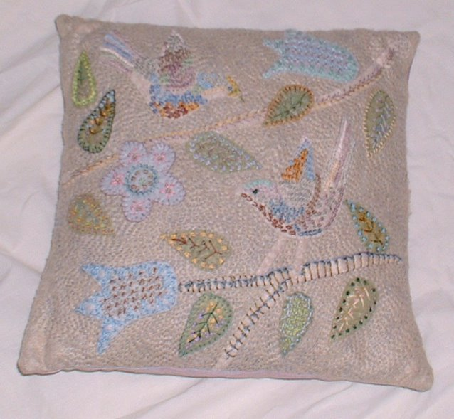 Two birds cushion subtle