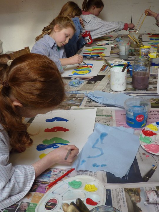 HOLIDAY CLUBS, ART PARTIES AND WORKSHOPS